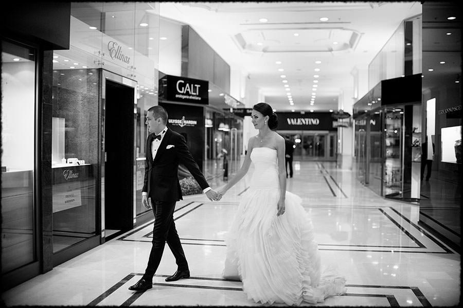 L + O | Destination Wedding | JW Marriott Bucharest Hotel | Romania 37