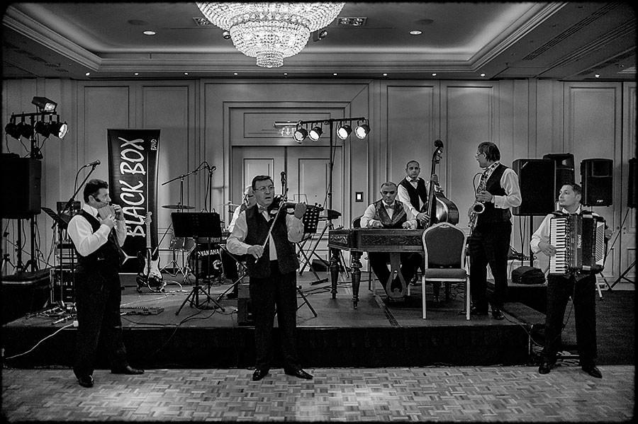 L + O | Destination Wedding | JW Marriott Bucharest Hotel | Romania 40
