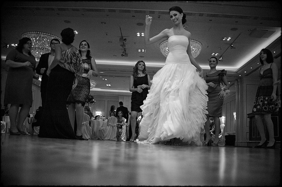 L + O | Destination Wedding | JW Marriott Bucharest Hotel | Romania 50