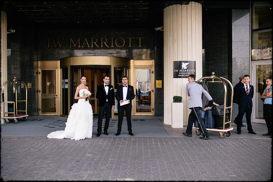 L + O | Destination Wedding | JW Marriott Bucharest Hotel | Romania 13
