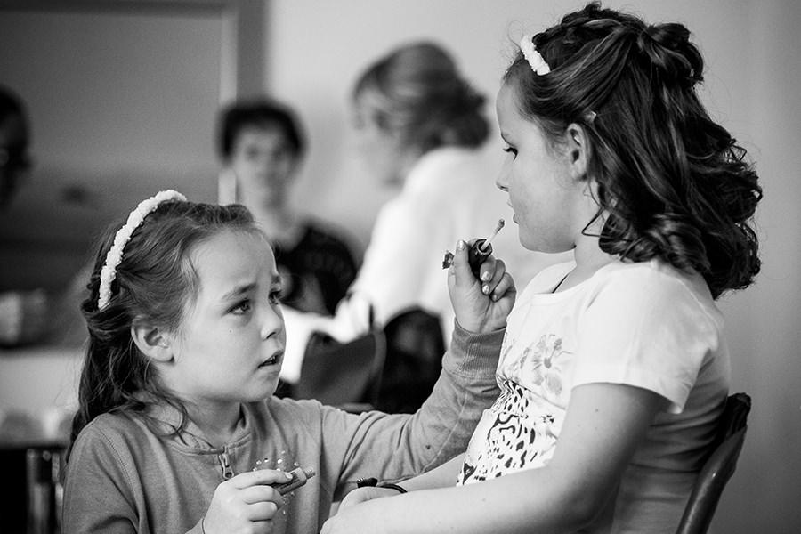 08_kids getting ready