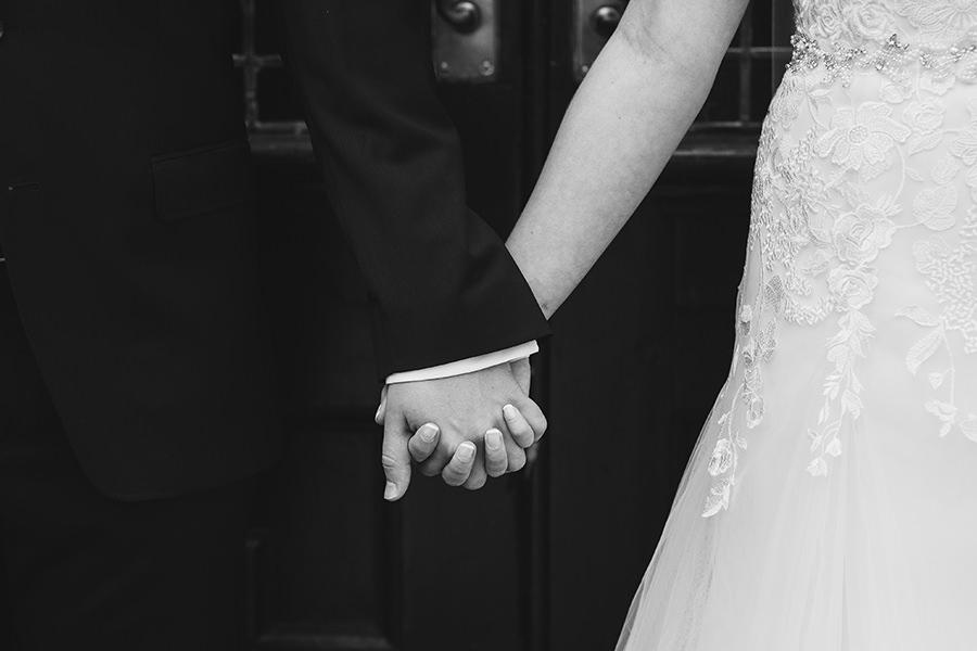 28-American Wedding in Ireland-city wedding