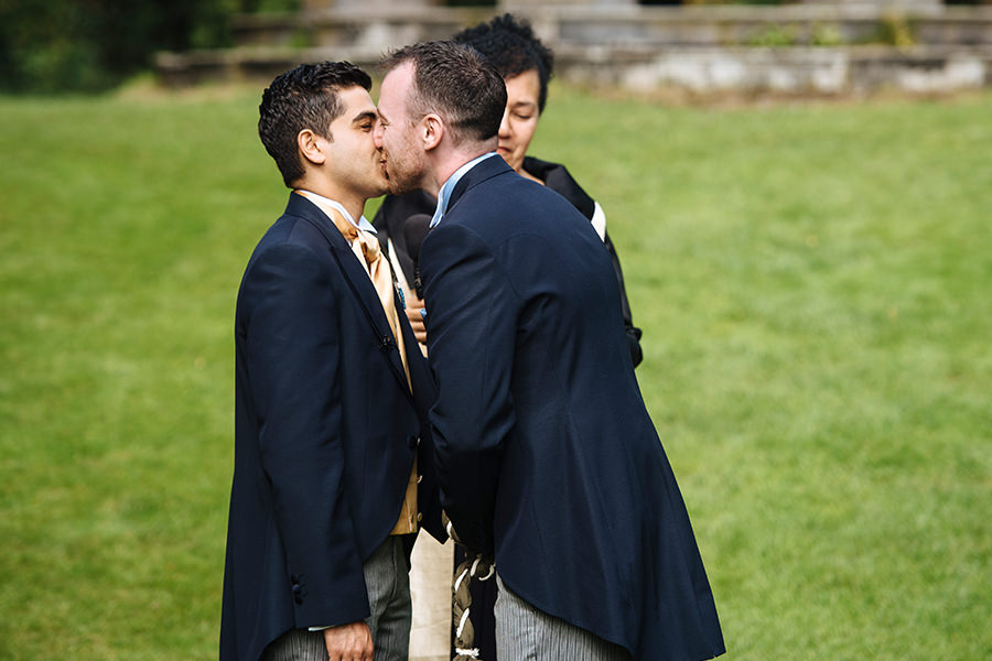 same-sex-wedding_outdoor-wedding_dromolonad-castle_55
