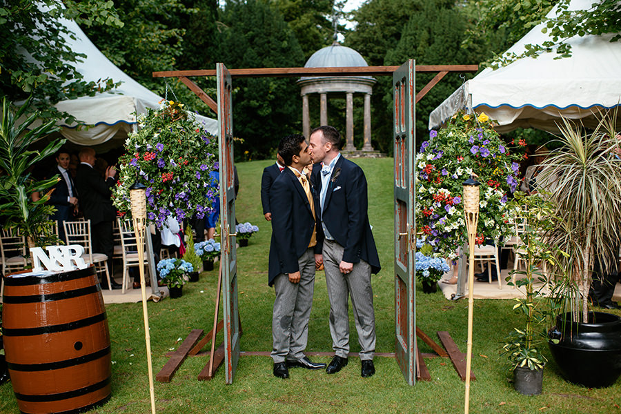 same-sex-wedding_outdoor-wedding_dromolonad-castle_59