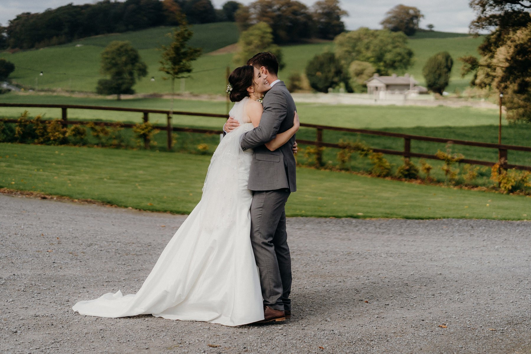 emotional-loughcrew-estate-wedding