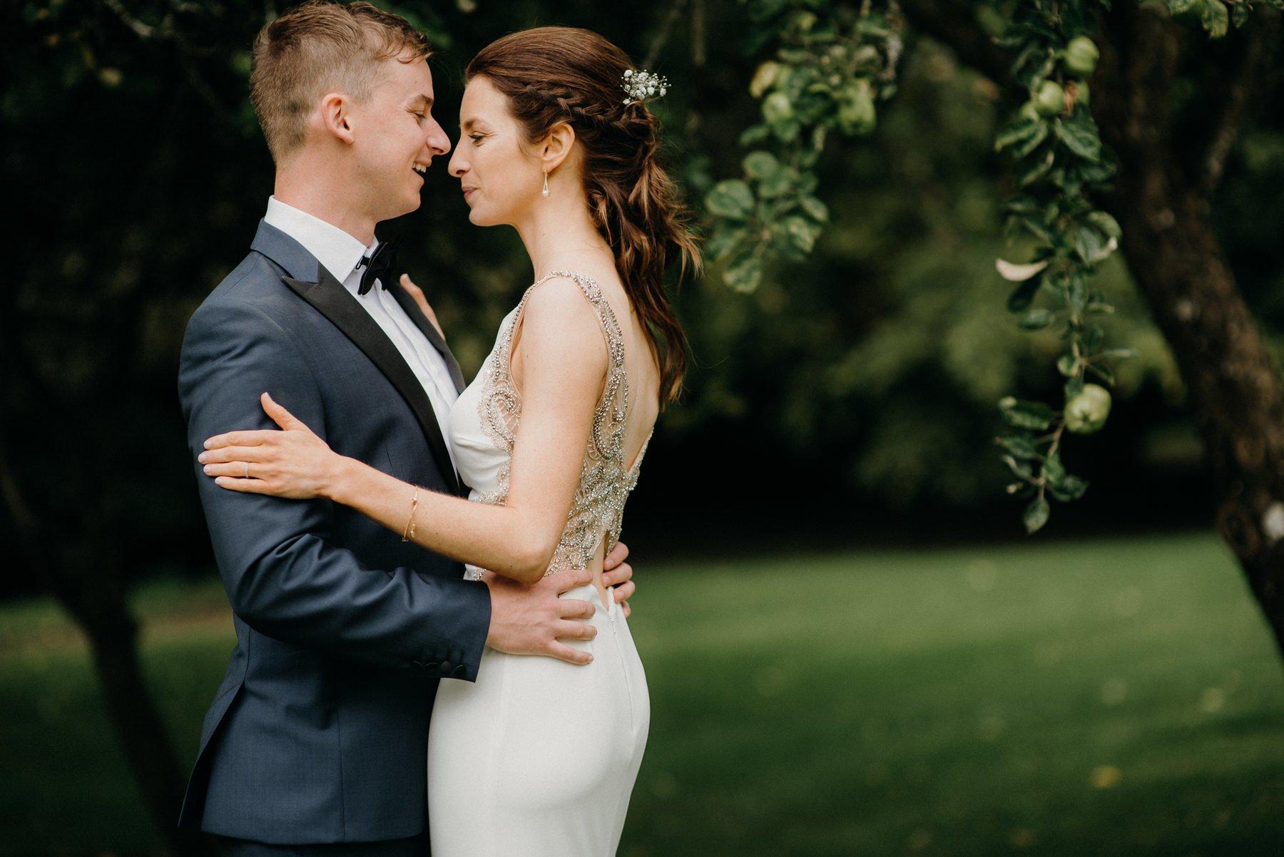 boyna-hill-house-wedding-bride-groom-photography